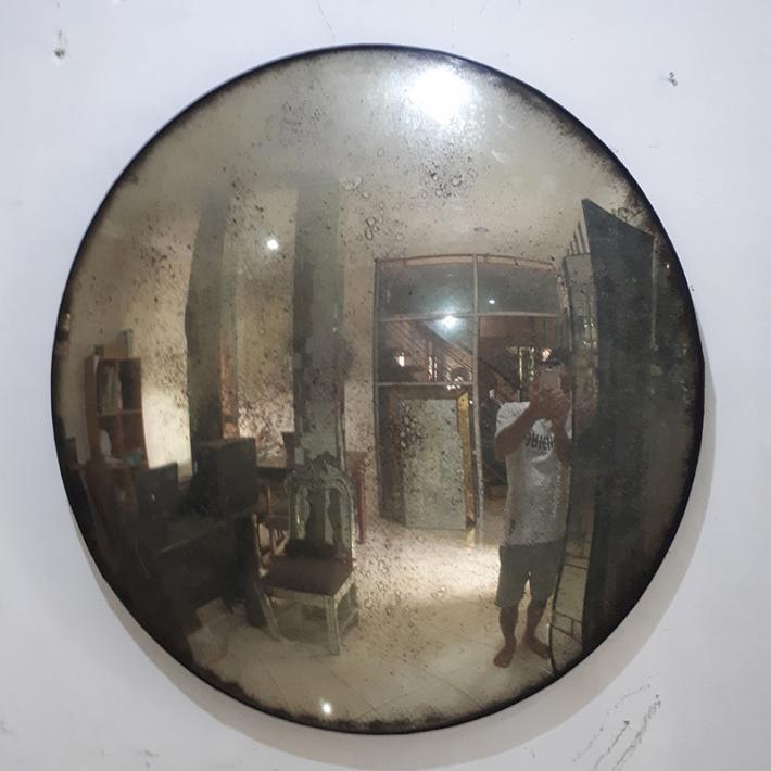 Convex smoked mirror. Smoked glass mirror. Convex mirror. Convex glass mirror