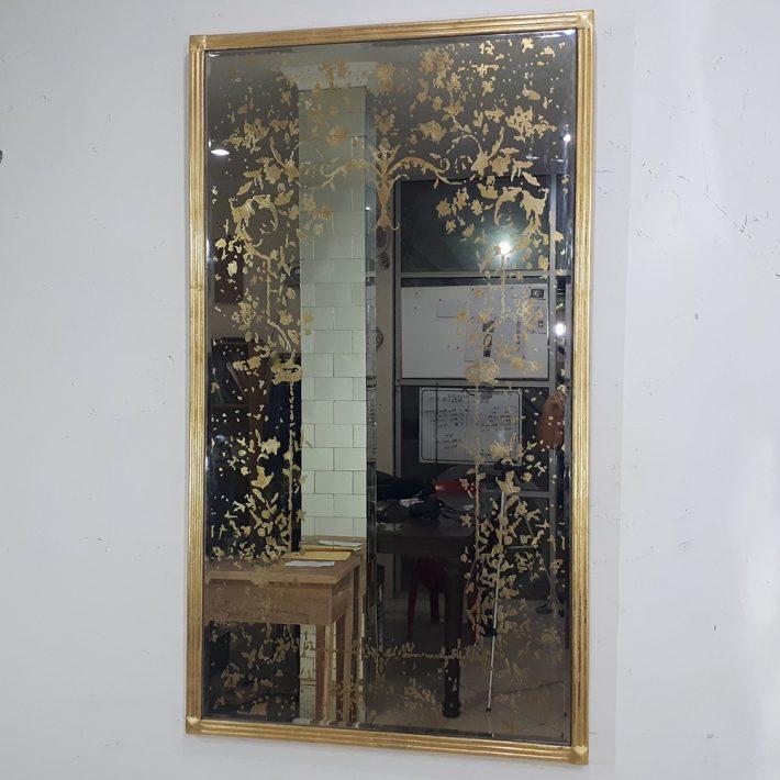Antique Mirror. Eglomise Mirror. Antique églomisé Mirror. Glidid mirror. Gold leaf Mirror
