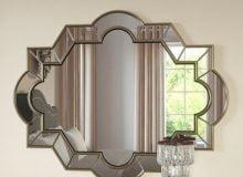 venetian-style simple mirror